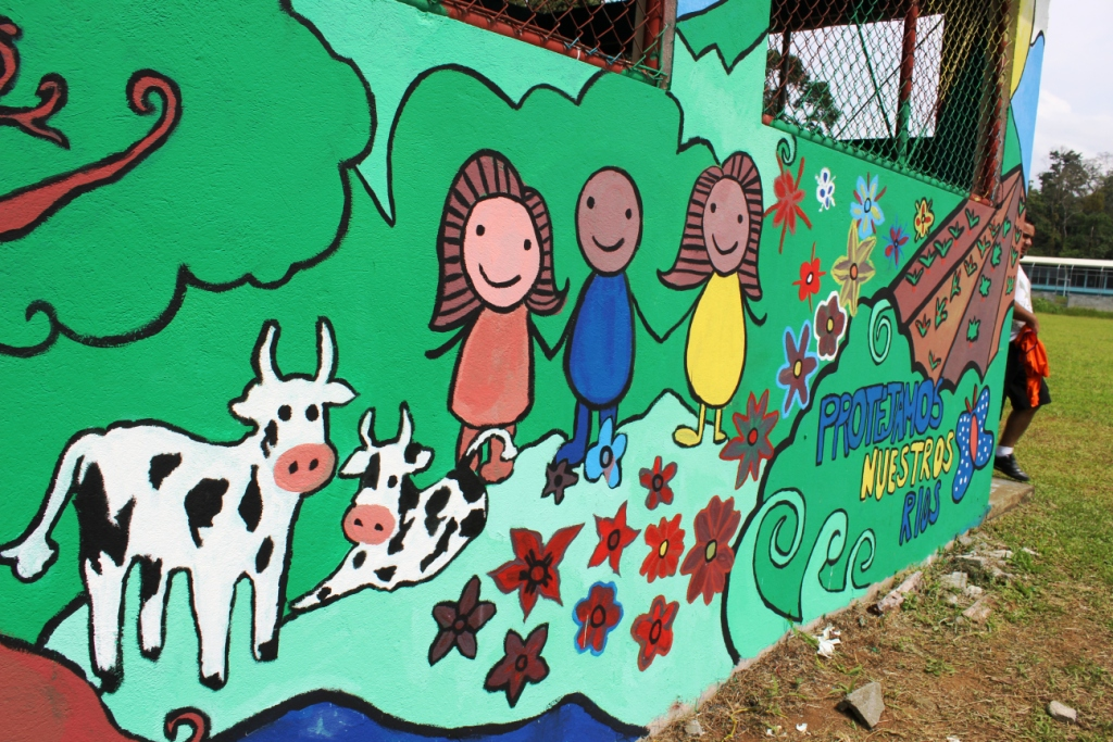 You are browsing images from the article: Mural del Día del Ambiente