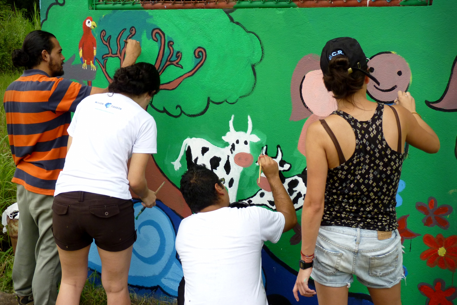 You are browsing images from the article: Mural del Da del Ambiente 